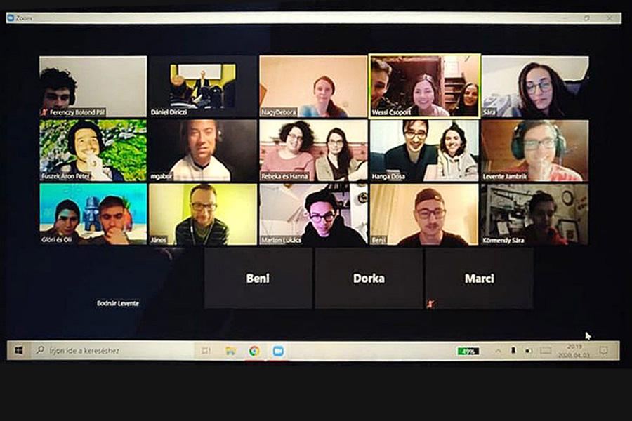 Kapcsolatra vagyunk teremtve – ifialkalmak a virtuális térben